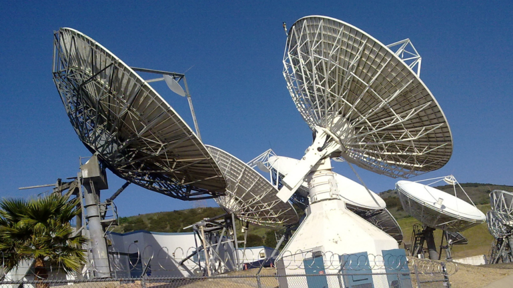Can microwaves transmit electricity in space?