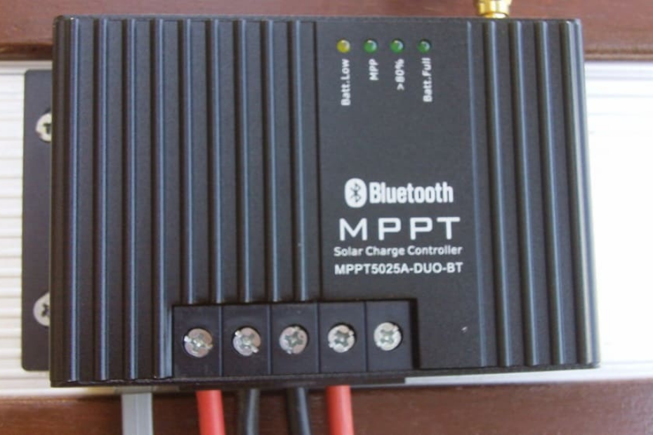 Difference between MPPT and PWM solar charge controller featured image