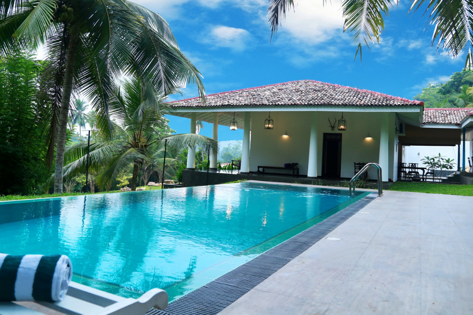 How Hot Can Solar Pool Heating Get_featured image